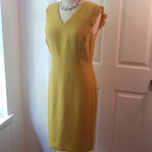 Ann Taylor Dresses & Skirts - Sz 6 Ann Taylor chartreuse dress